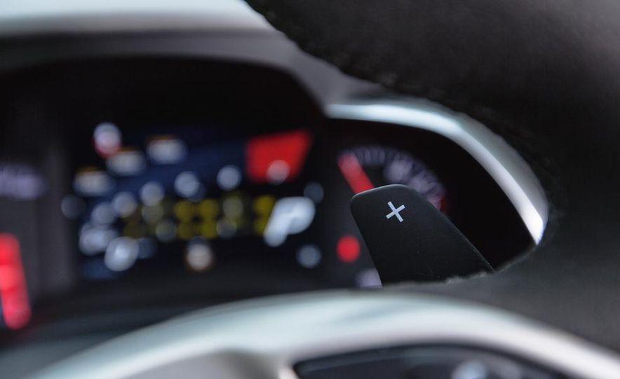 2015 Chevrolet Corvette Stingray convertible - Slide 24