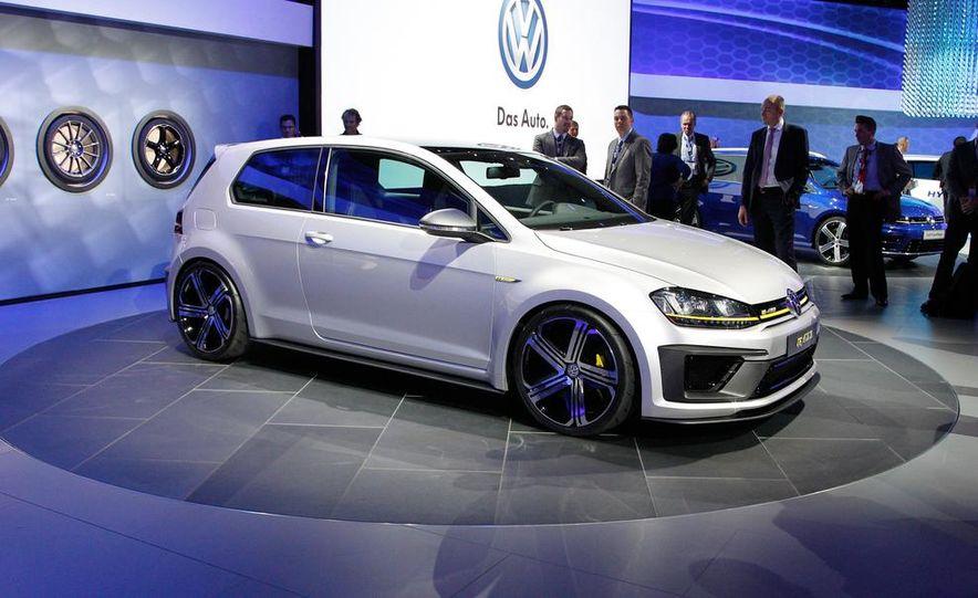 Volkswagen Golf R 400 concept - Slide 1