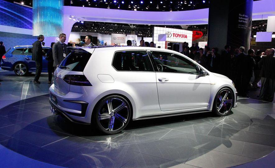 Volkswagen Golf R 400 concept - Slide 6