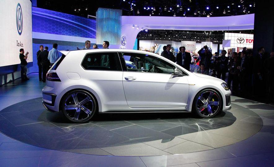Volkswagen Golf R 400 concept - Slide 7