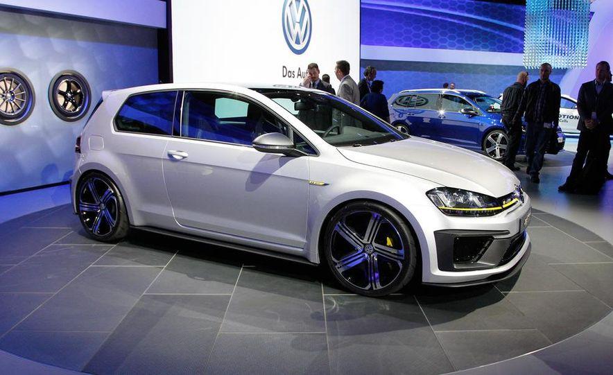 Volkswagen Golf R 400 concept - Slide 8