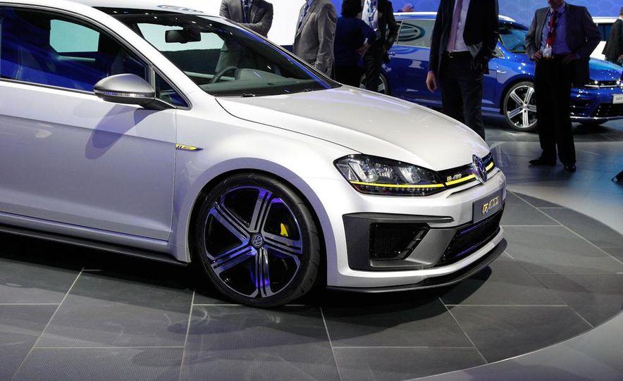 Volkswagen Golf R 400 concept - Slide 10