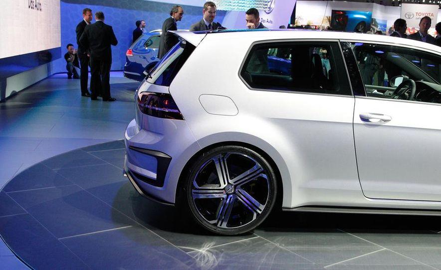Volkswagen Golf R 400 concept - Slide 14