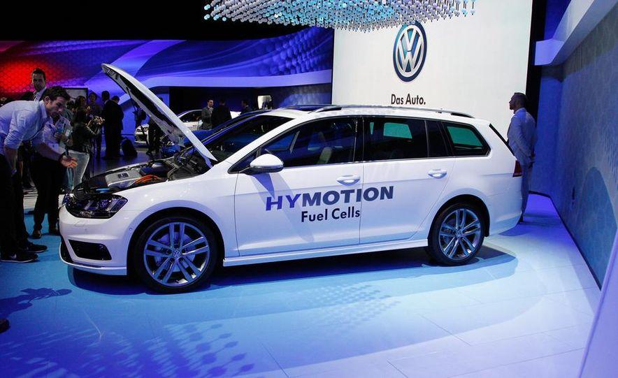 Volkswagen Golf SportWagen HyMotion concept - Slide 1