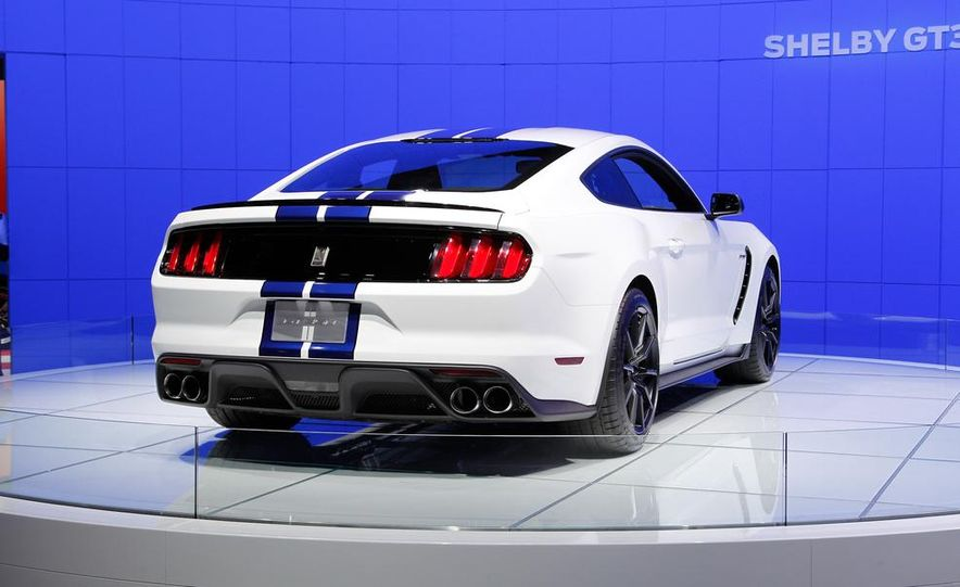 2016 Ford Mustang Shelby GT350 - Slide 26