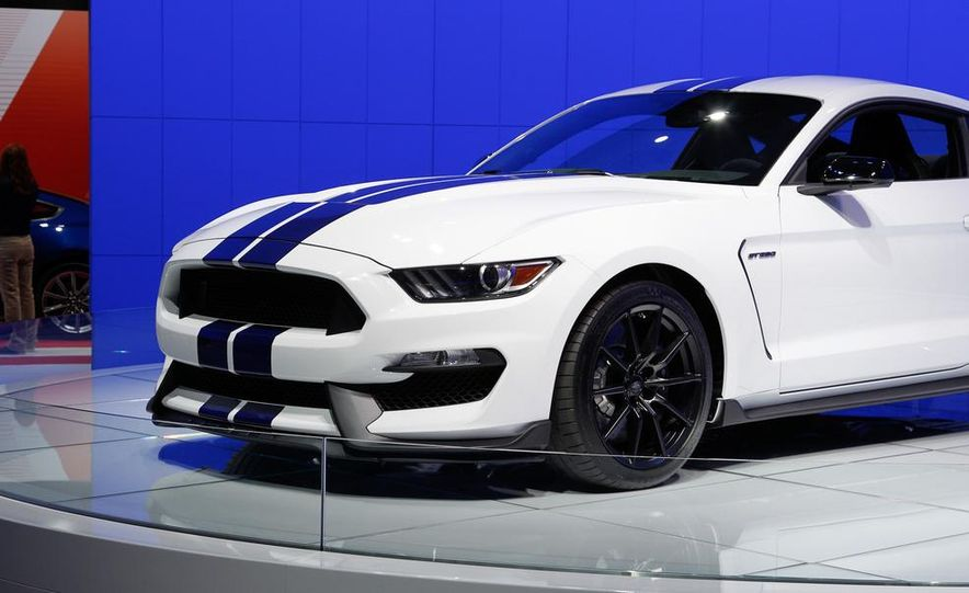 2016 Ford Mustang Shelby GT350 - Slide 34