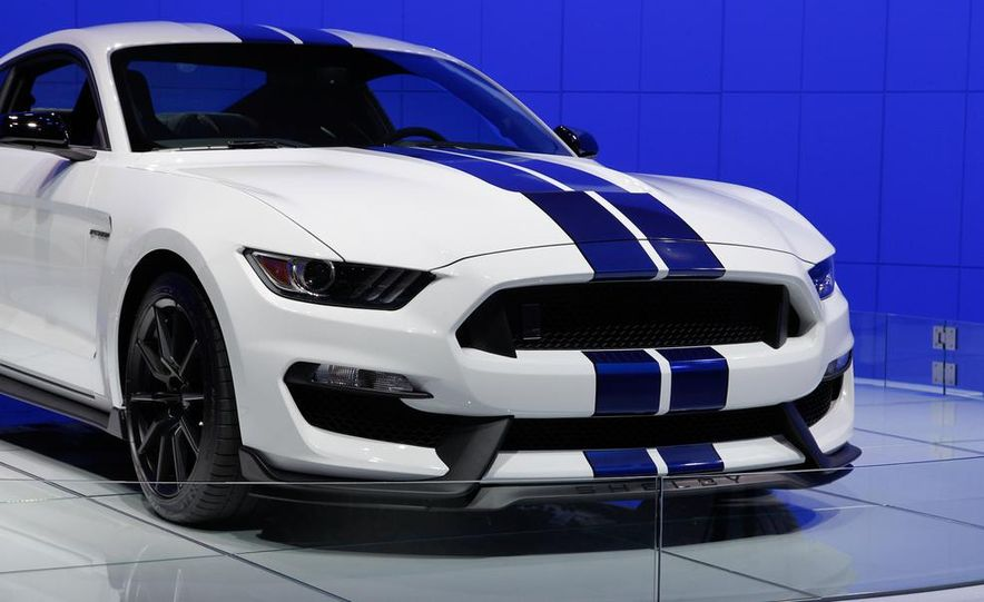 2016 Ford Mustang Shelby GT350 - Slide 38