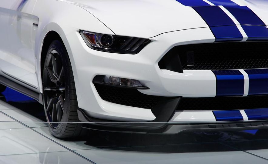 2016 Ford Mustang Shelby GT350 - Slide 39
