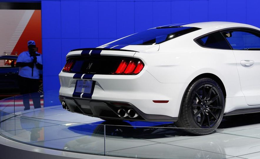 2016 Ford Mustang Shelby GT350 - Slide 43