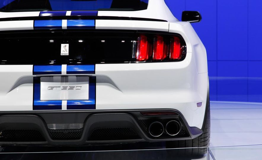 2016 Ford Mustang Shelby GT350 - Slide 45