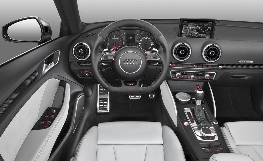 Audi RS3 Sportback (Euro-spec) - Slide 4