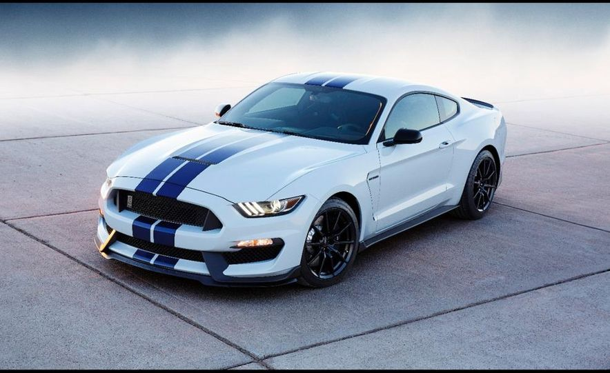 2016 Ford Mustang Shelby GT350 - Slide 15