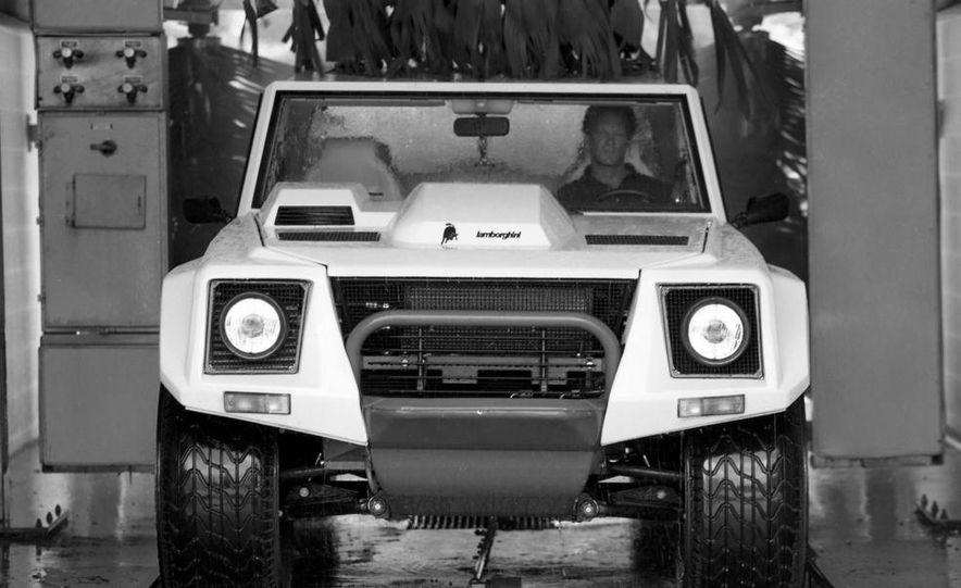 Lamborghini LM002 - Slide 10