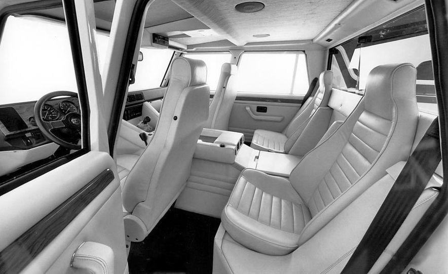 Lamborghini LM002 - Slide 15