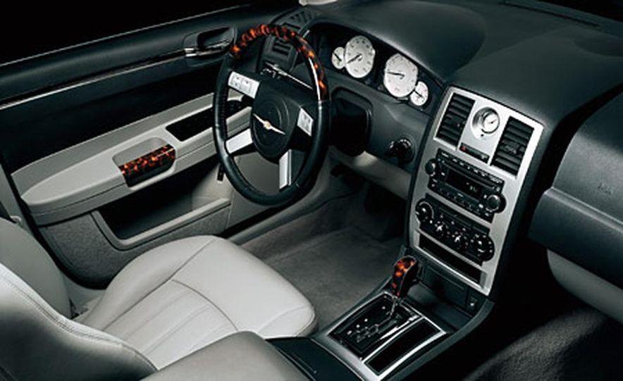 Chrysler 300C Hemi - Slide 5