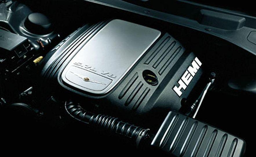 Chrysler 300C Hemi - Slide 6