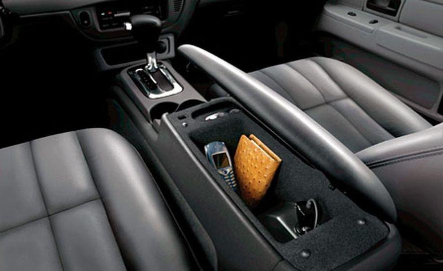 Chrysler 300C Hemi - Slide 13