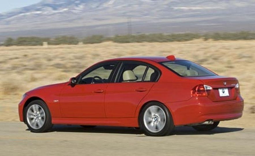 2007 BMW 328i and Infiniti G35 - Slide 14