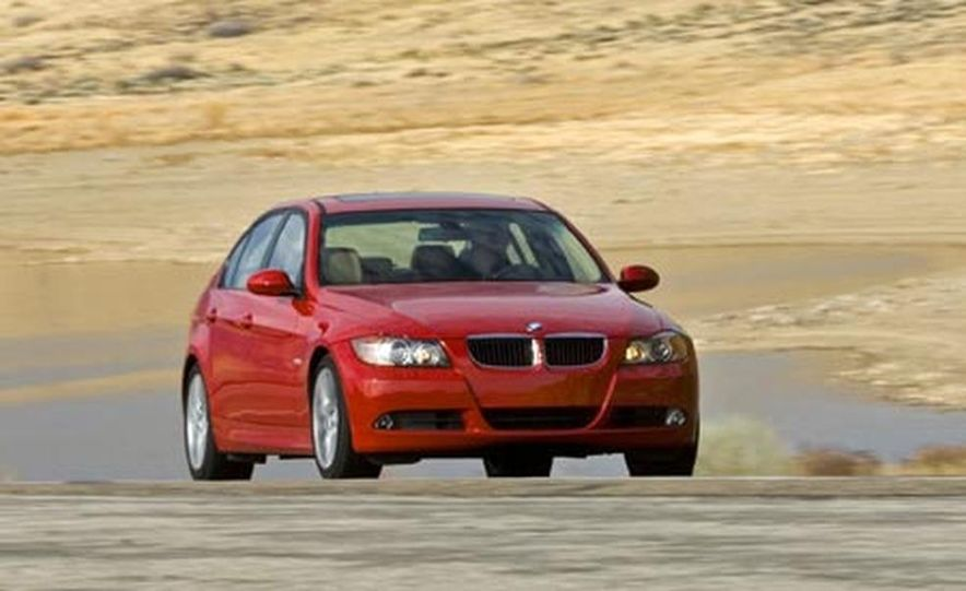 2007 BMW 328i and Infiniti G35 - Slide 17