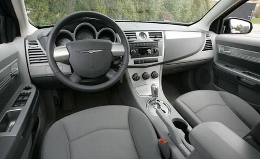 2007 Chrysler Sebring Touring - Slide 3