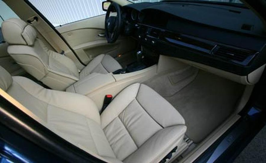 2007 BMW 550i - Slide 11