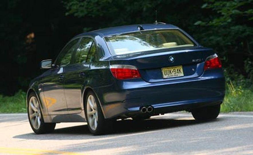 2007 BMW 550i - Slide 2