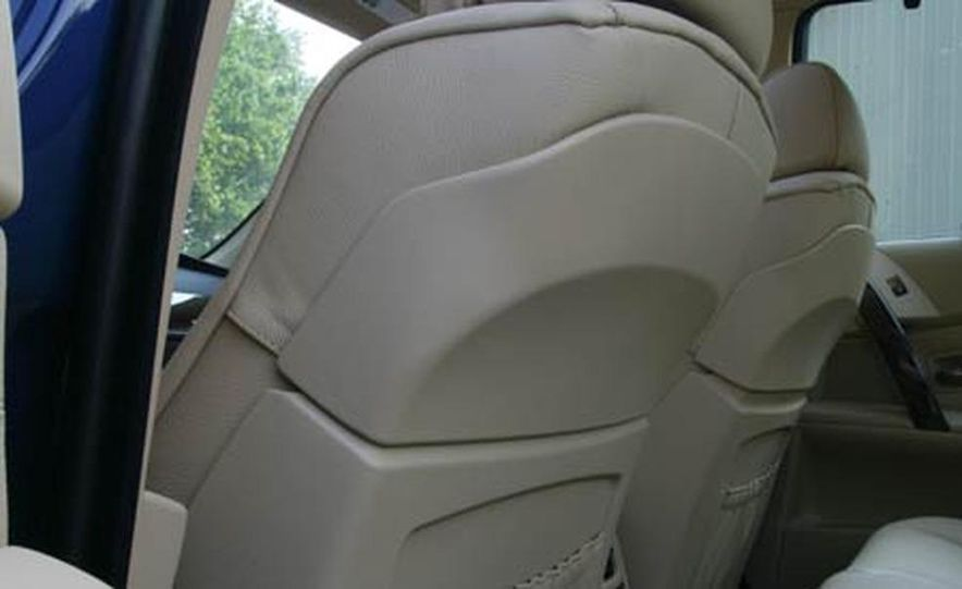 2007 BMW 550i - Slide 16