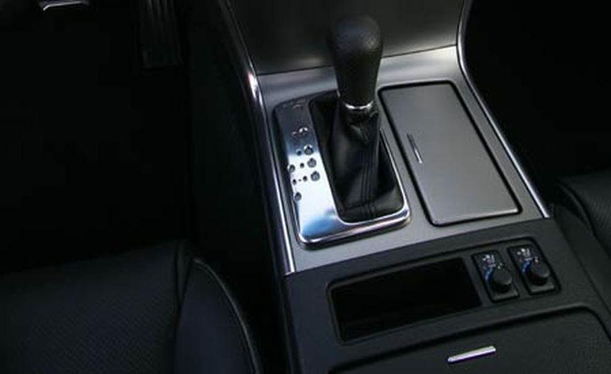2007 BMW 550i - Slide 32