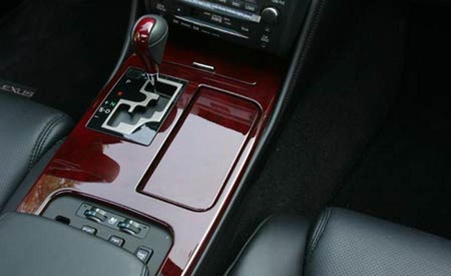 2007 BMW 550i - Slide 52