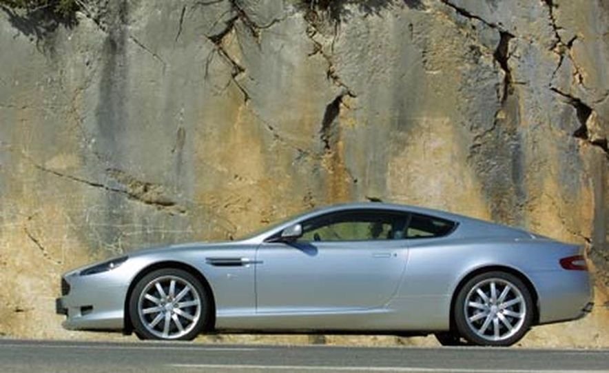 2005 Aston Martin DB9 - Slide 9
