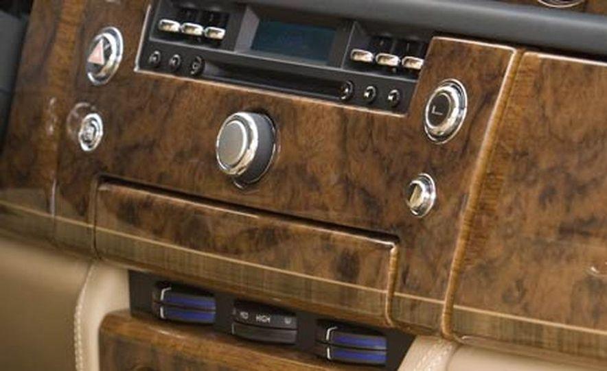 2006 Rolls-Royce Phantom - Slide 10