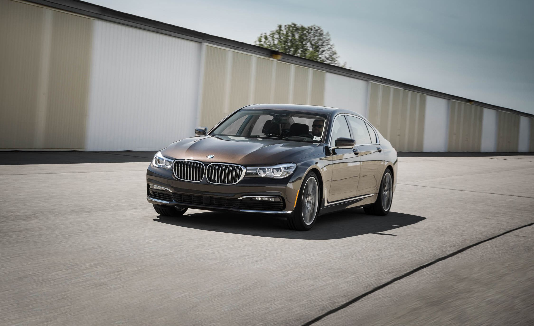 2017 Bmw 7 Series In Depth Model Review Car And Driver