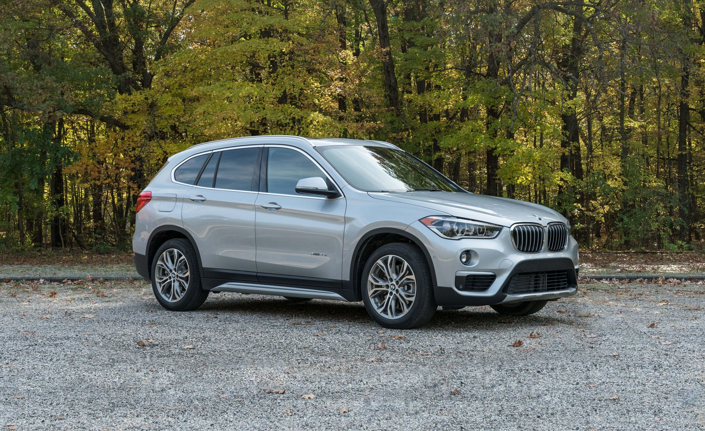 2017 Bmw X1 In Depth Model Review Car And Driver