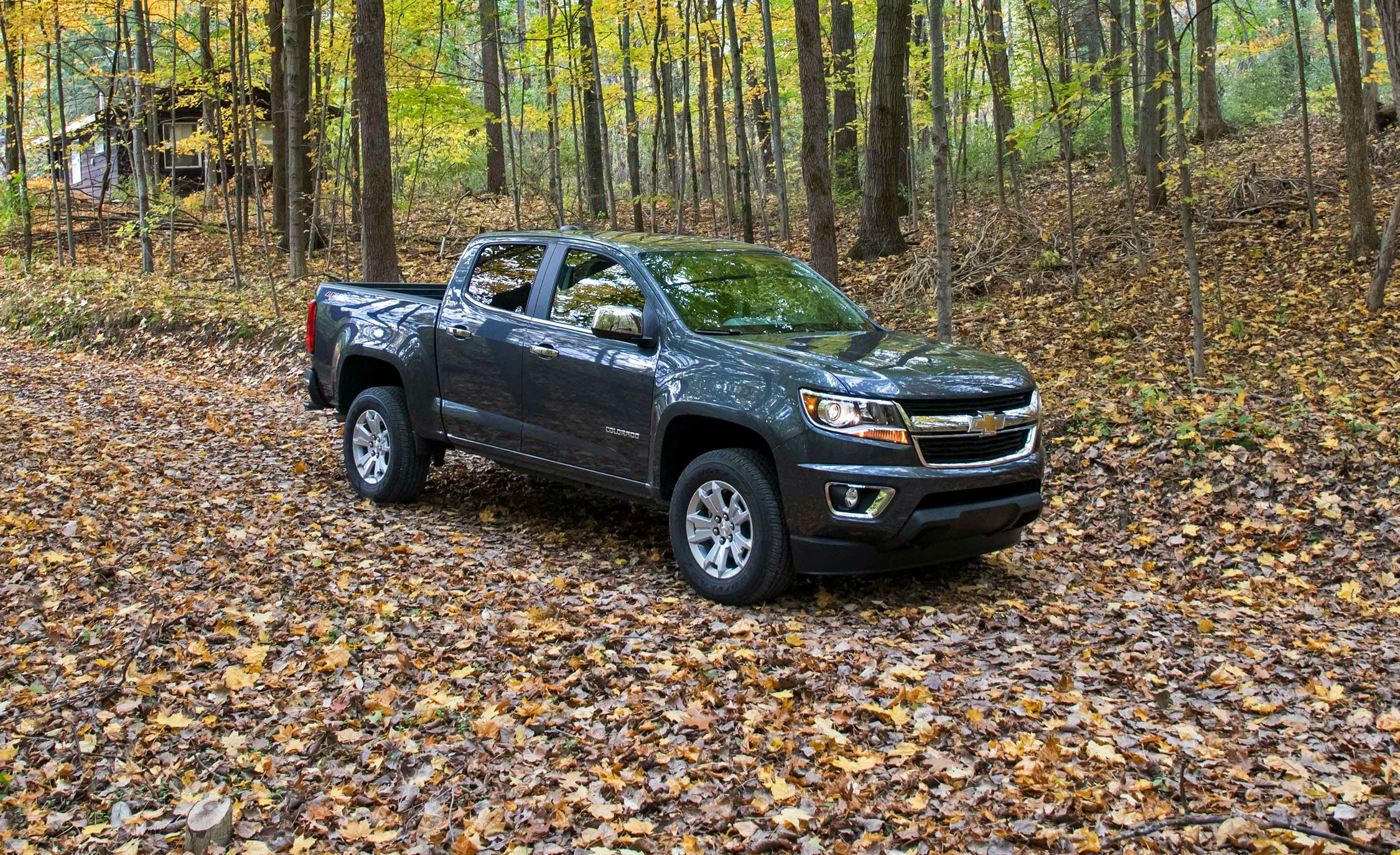 2017 chevrolet colorado in depth model review car and driver. Black Bedroom Furniture Sets. Home Design Ideas