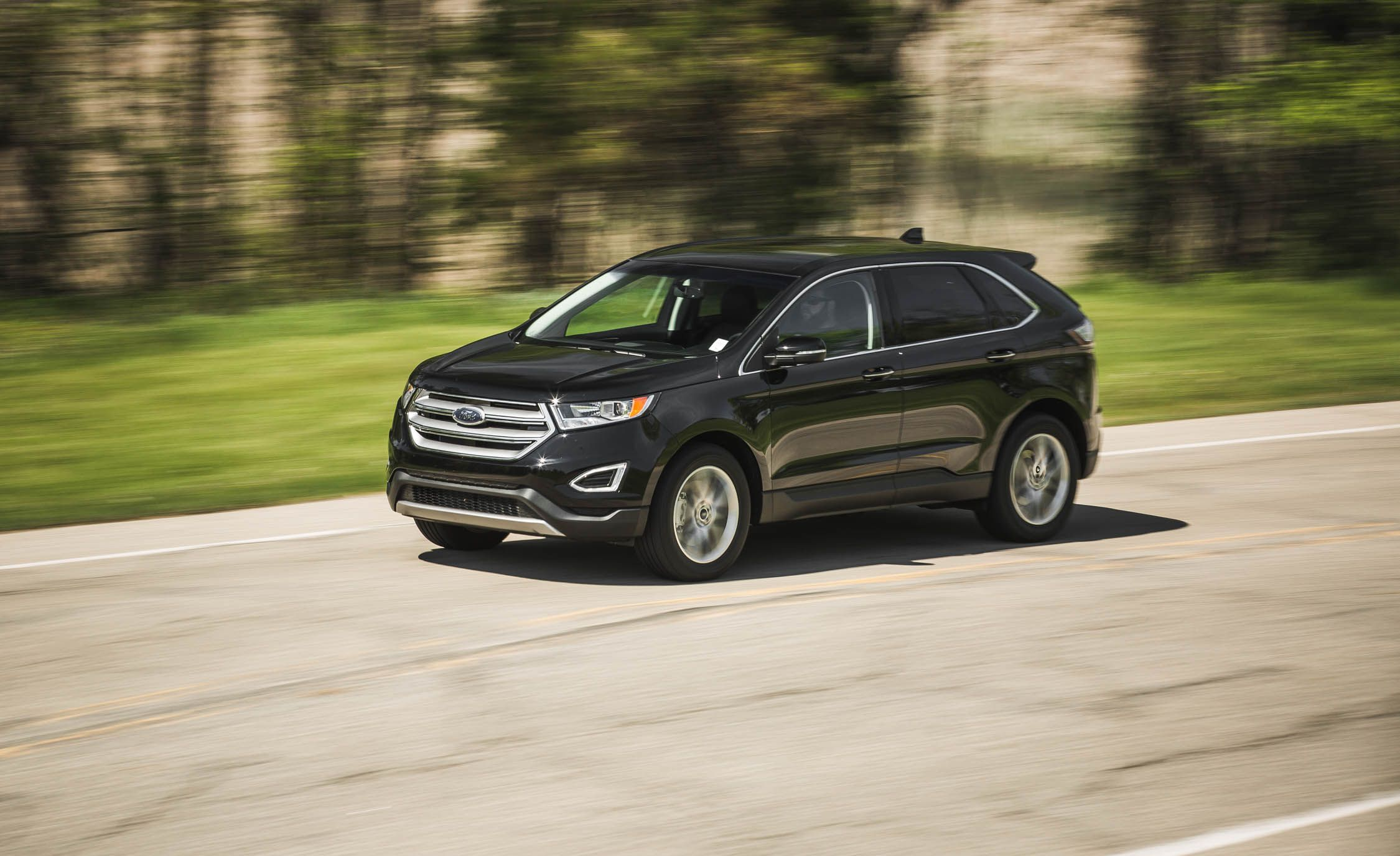 Best 3 Row Suv 2017 >> 2017 Ford Edge | In-Depth Model Review | Car and Driver