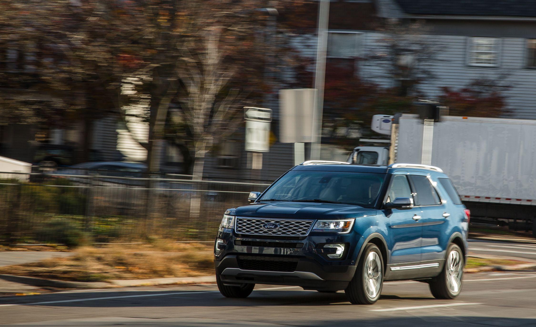 & 2017 Ford Explorer | In-Depth Model Review | Car and Driver markmcfarlin.com