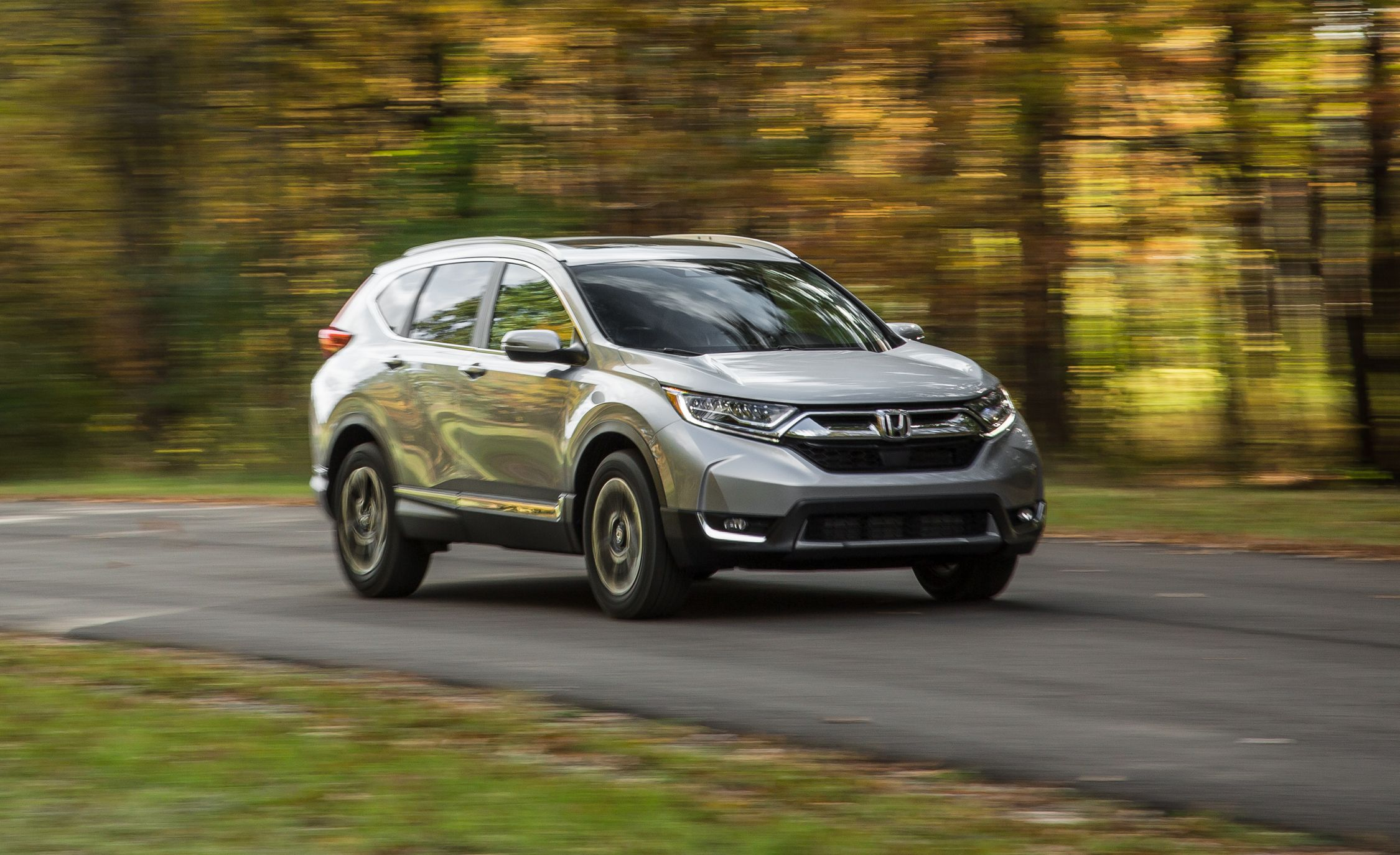 Crv 2017 Review >> 2017 Honda Cr V In Depth Model Review Car And Driver