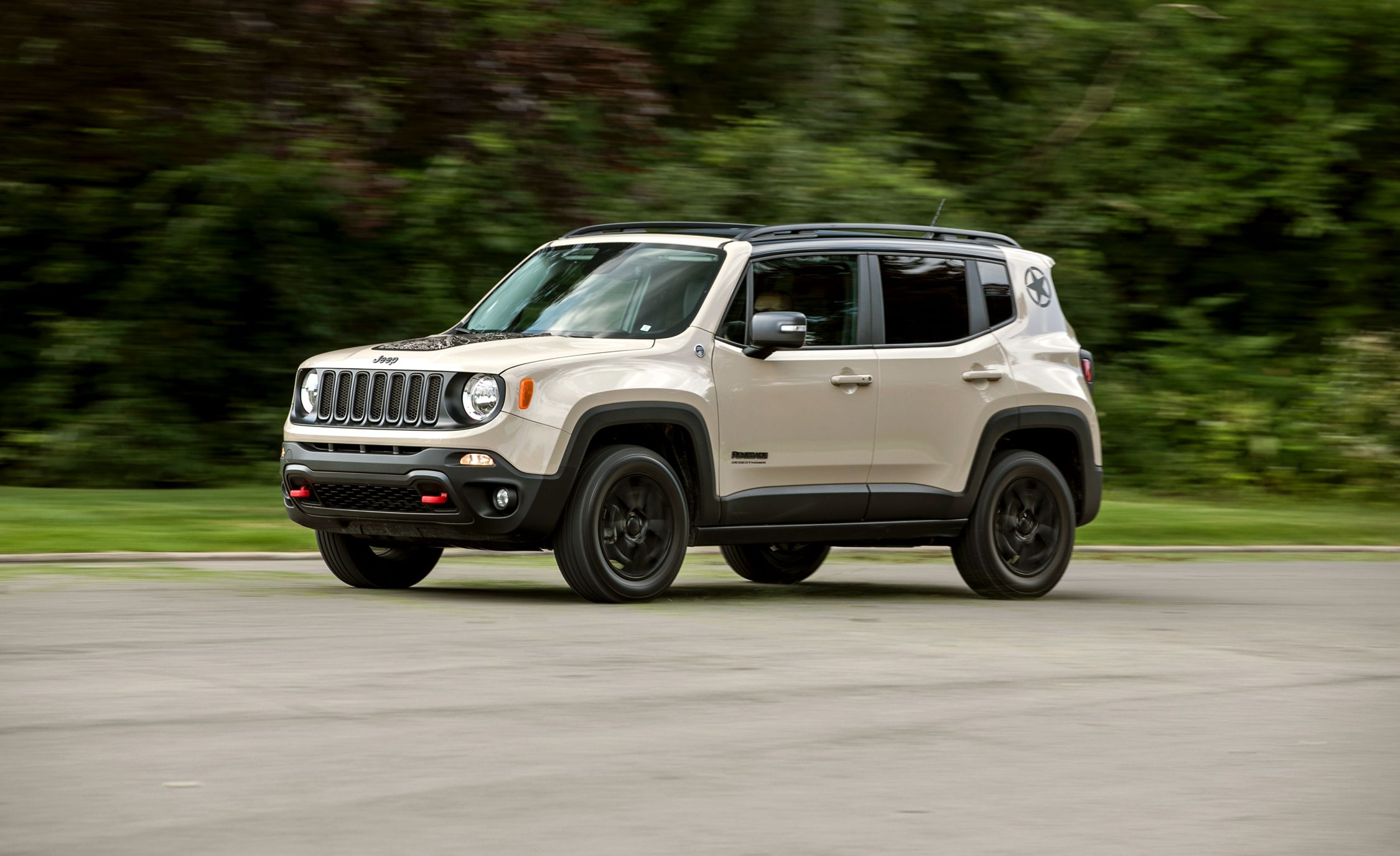 2017 jeep renegade in depth model review car and driver. Black Bedroom Furniture Sets. Home Design Ideas