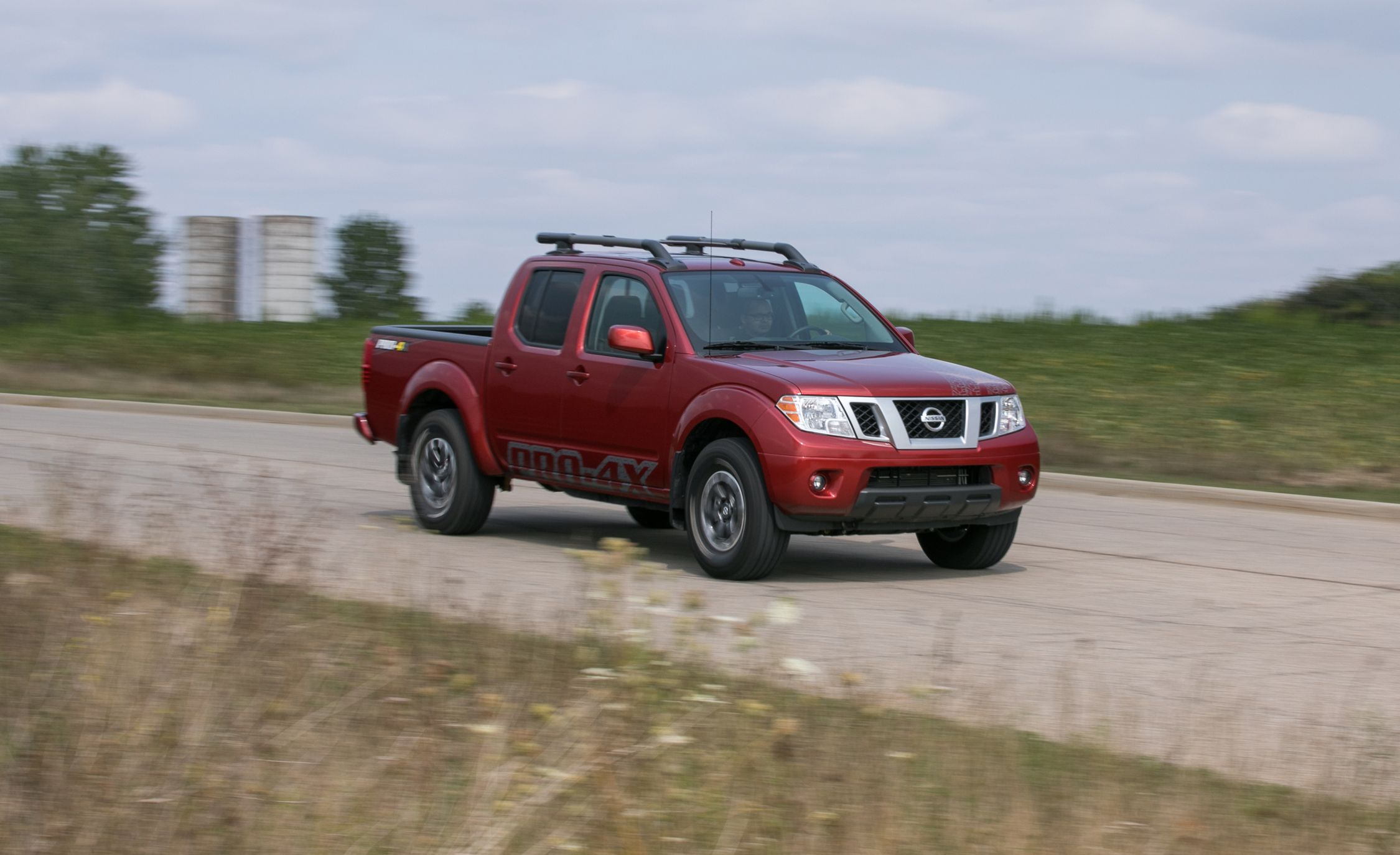 2017 nissan frontier in depth model review car and driver rh caranddriver com 2004 Nissan Frontier Manual Nissan Frontier Interior Exploded