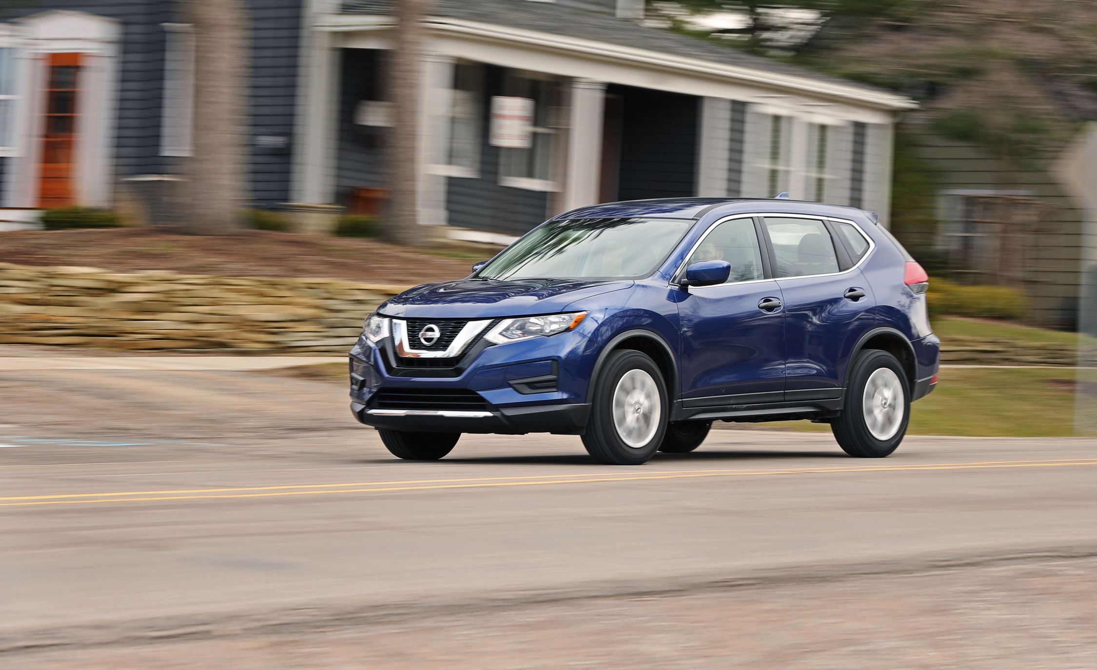 Nissan Rogue Reviews | Nissan Rogue Price, Photos, And Specs | Car And  Driver
