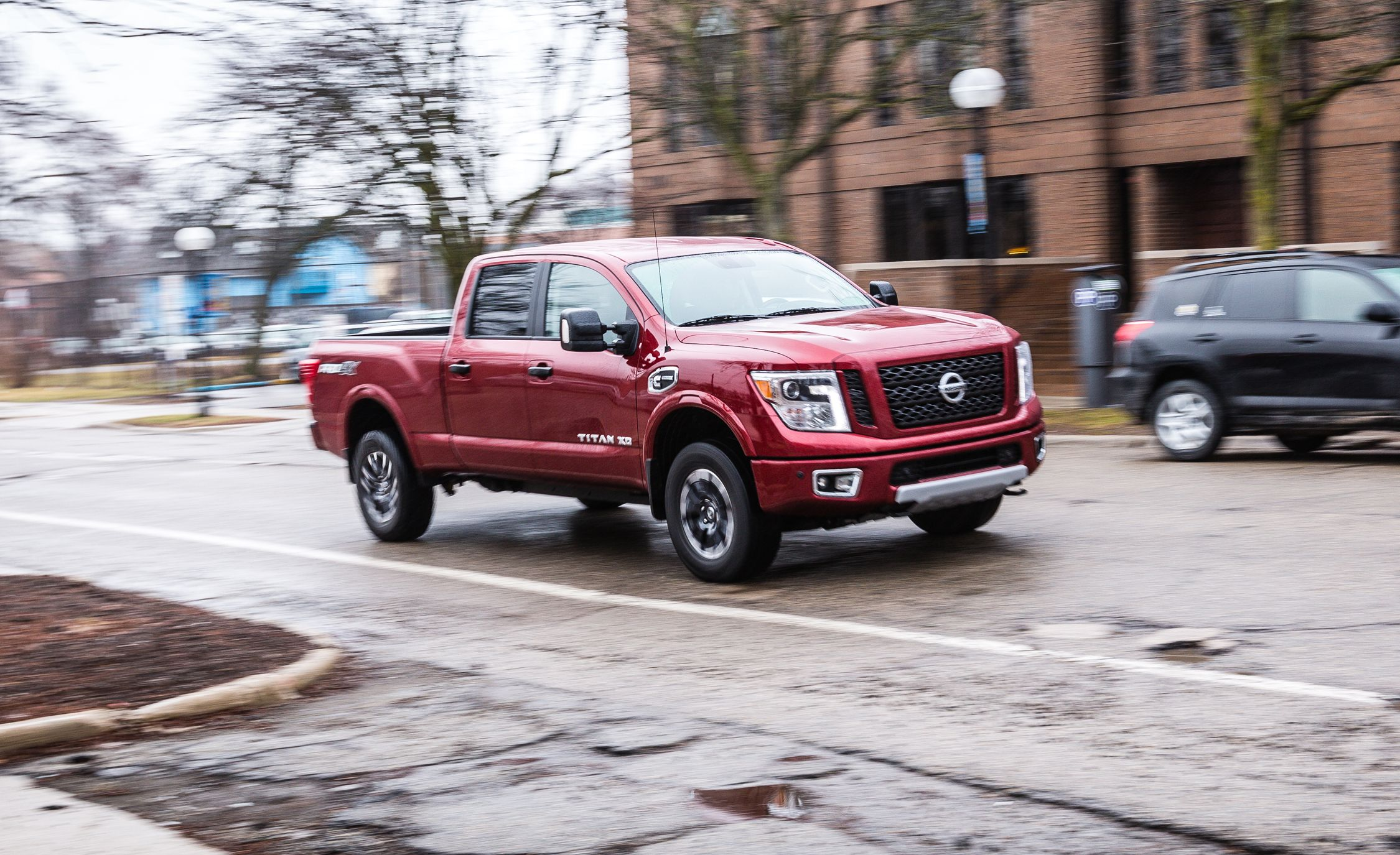 2017 nissan titan xd engine and transmission review car and driver. Black Bedroom Furniture Sets. Home Design Ideas