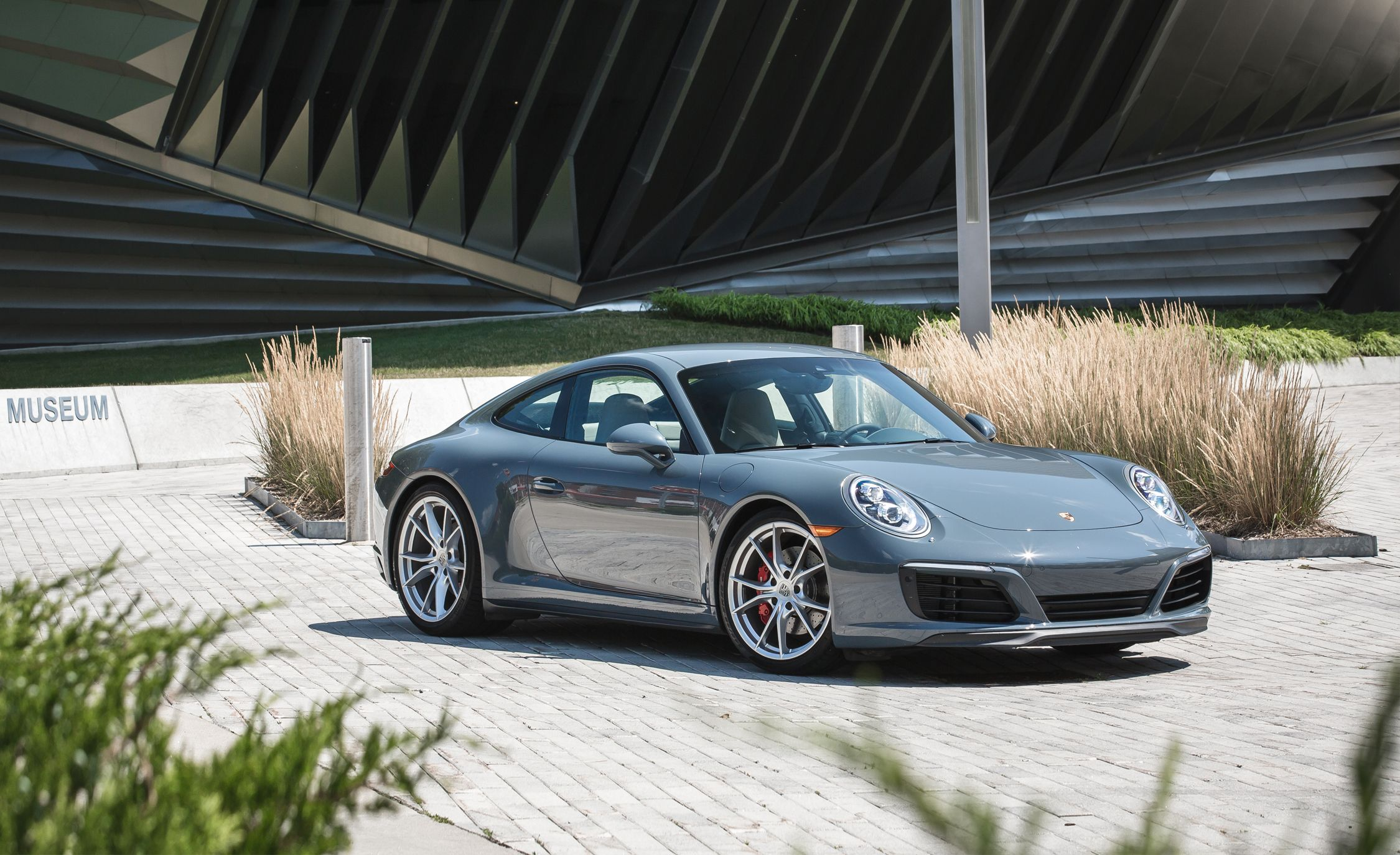 Amazing 2017 Porsche 911