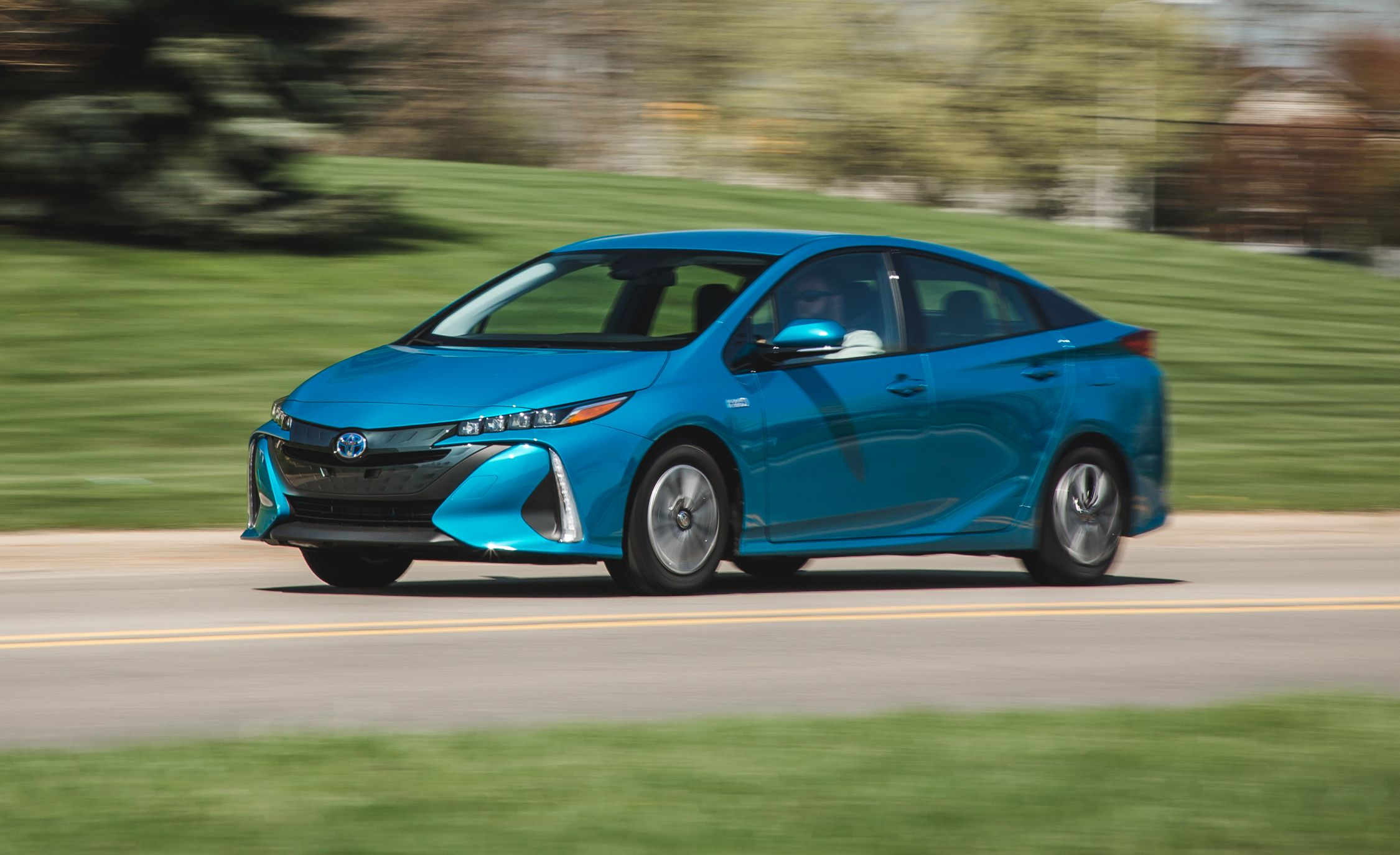 2017 toyota prius prime in depth model review car and driver. Black Bedroom Furniture Sets. Home Design Ideas