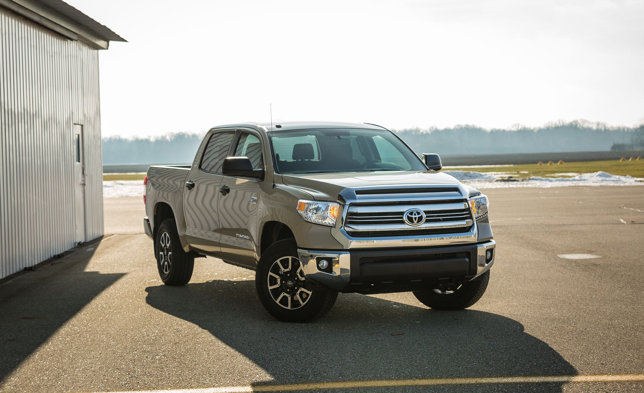 2017 Toyota Tundra In Depth Model Review Car And Driver