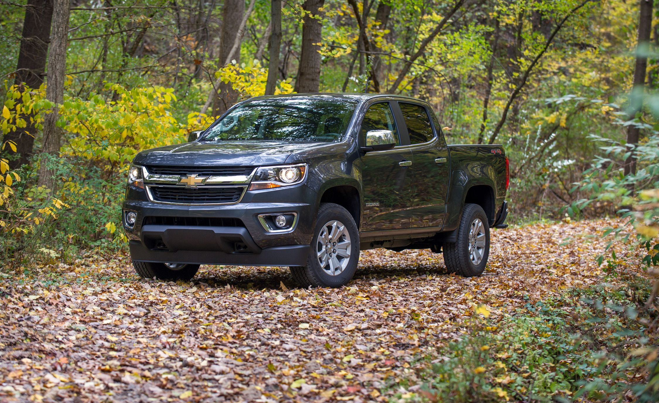 Lifted Chevy Colorado >> 2018 Chevrolet Colorado | In-Depth Model Review | Car and Driver
