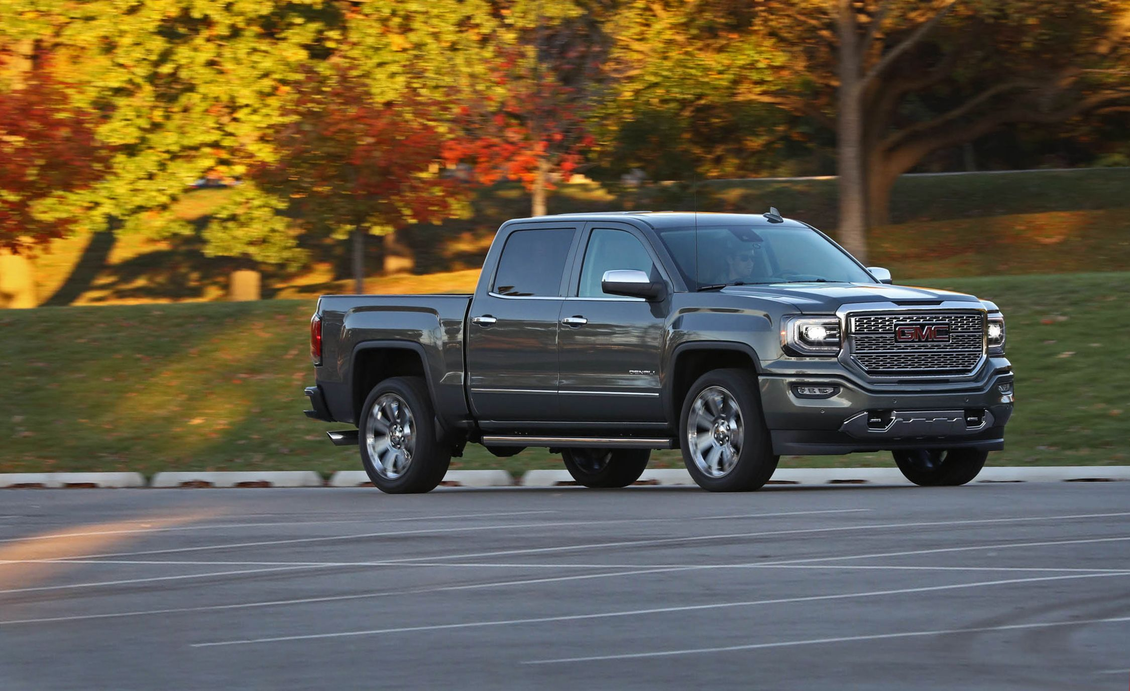 2018 Gmc Sierra 1500 In Depth Model Review Car And Driver