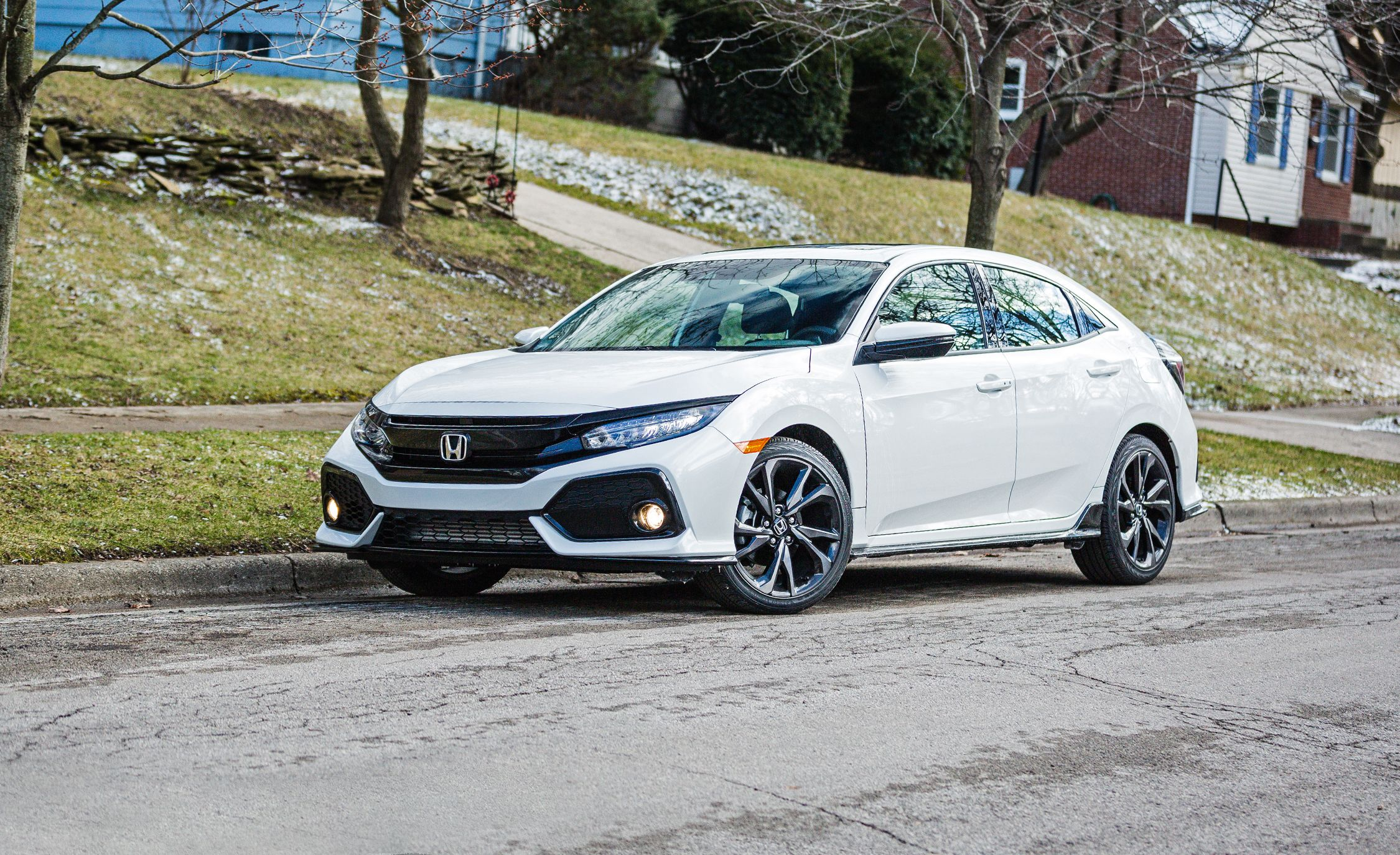 Honda Accord 2018 White >> 2018 Honda Civic | In-Depth Model Review | Car and Driver
