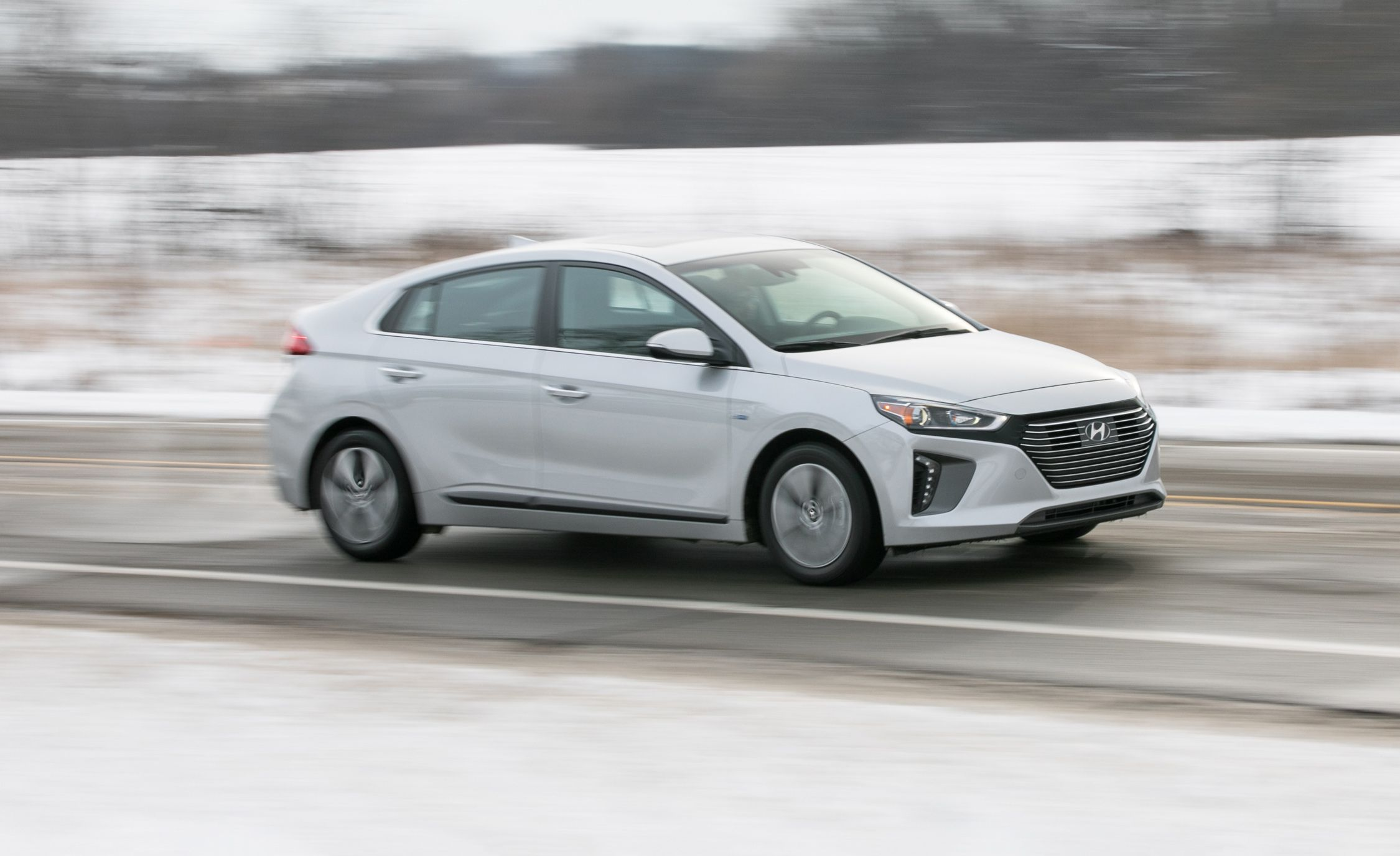 Hyundai Ioniq Reviews | Hyundai Ioniq Price, Photos, and Specs