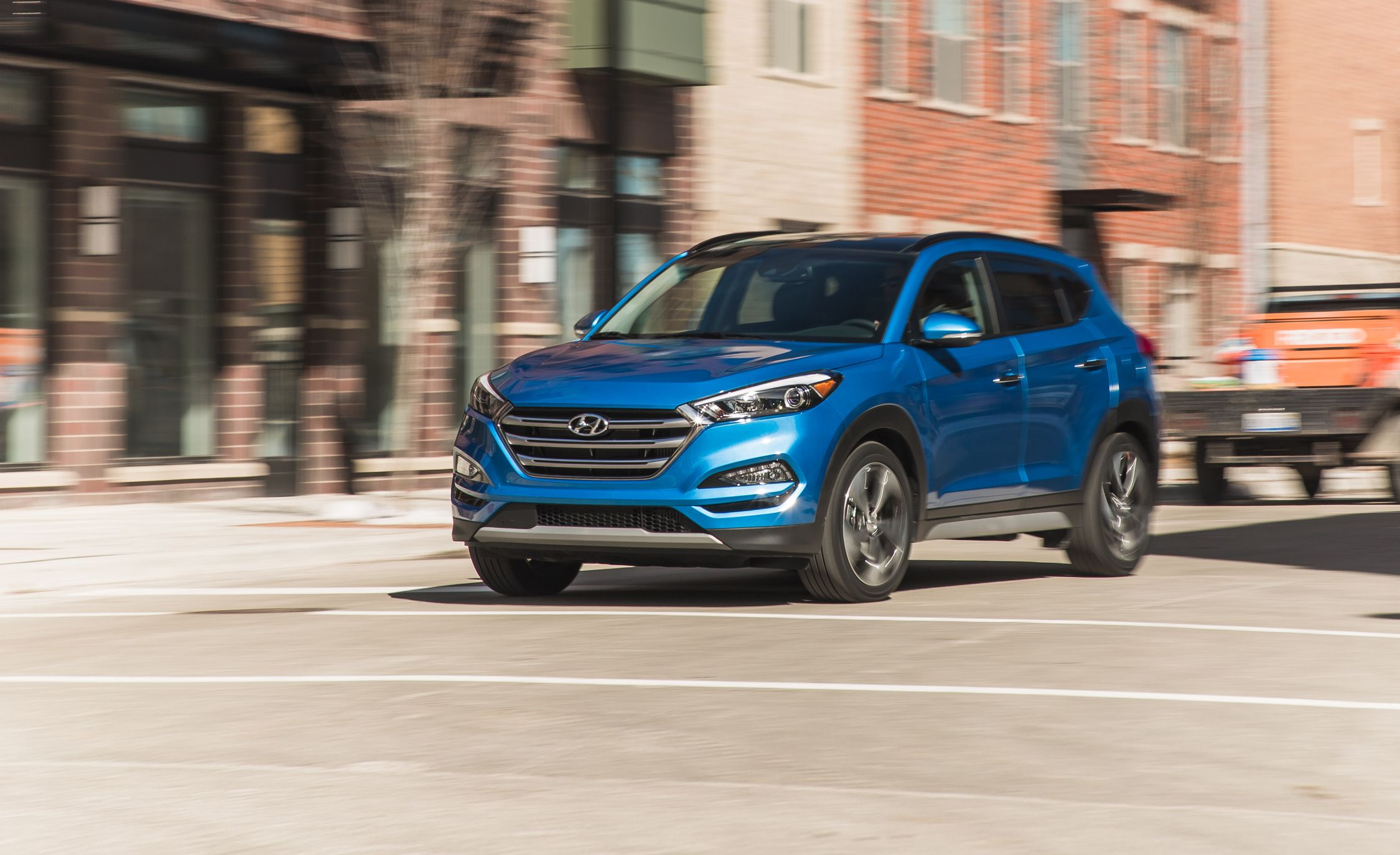 2018 hyundai tucson in depth model review car and driver. Black Bedroom Furniture Sets. Home Design Ideas