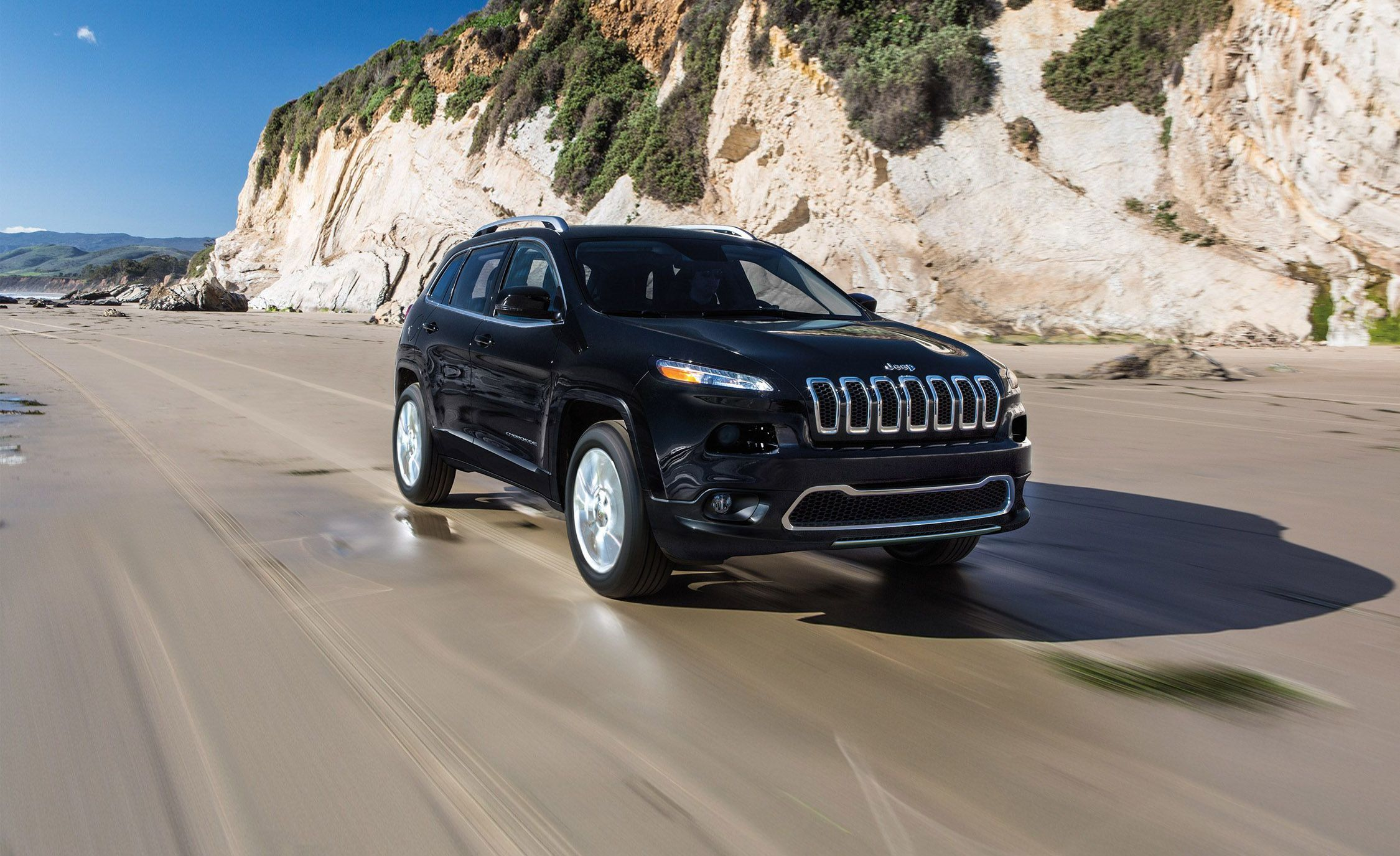 Jeep Altitude For Sale >> 2018 Jeep Cherokee   In-Depth Model Review   Car and Driver